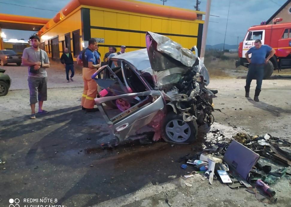 Vụ tai nạn khiến 4 chiếc ô tô hư hỏng nặng