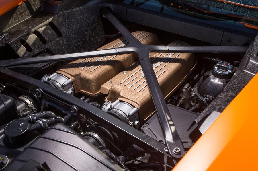 Động cơ của Lamborghini Huracan Performante
