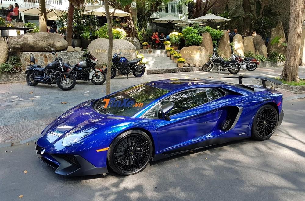 Vẻ đẹp của siêu xe Lamborghini Aventador SV độc nhất tại Việt Nam