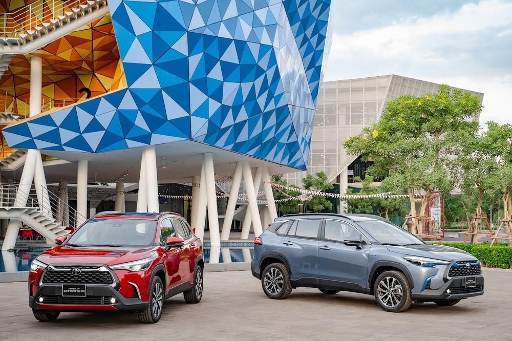 Toyota Corolla Cross là mẫu xe phổ thông đầu tiên tại Việt Nam được trang bị động cơ Hybrid