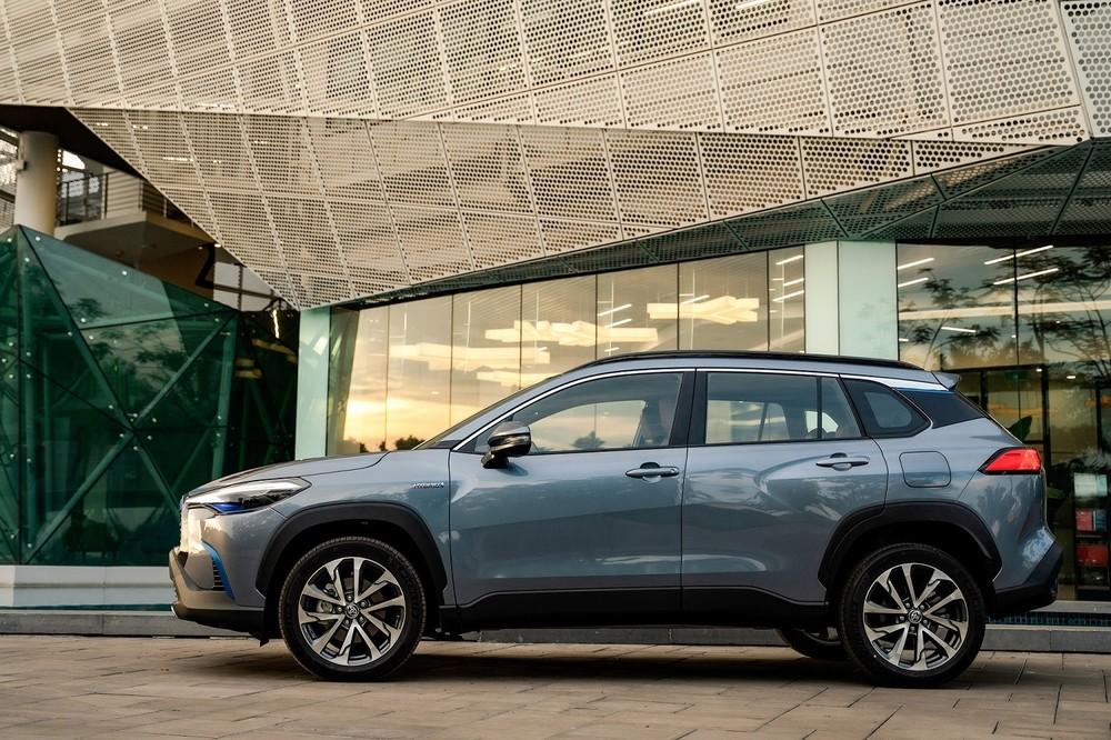 Mức giá trải đều giúp Toyota Corolla Cross 2020 có khả năng cạnh tranh với các mẫu xe thuộc phân khúc SUV cỡ B lẫn các sản phẩm thuộc phân hạng C