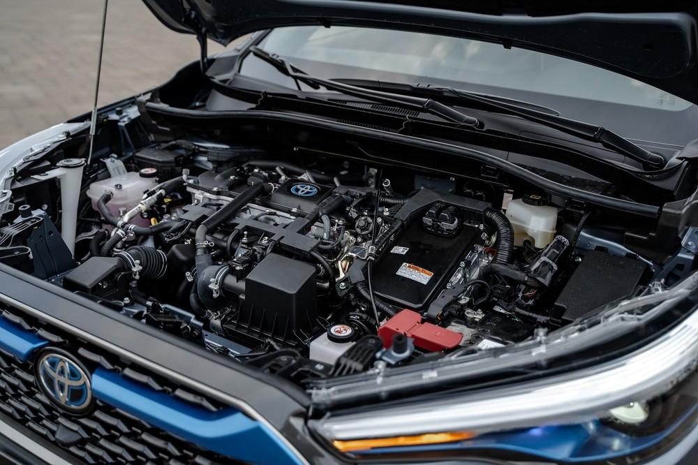 Động cơ Hybrid giúp xe có khả năng tiết kiệm nhiên liệu và giảm thiệu lượng khí thải ra môi trường