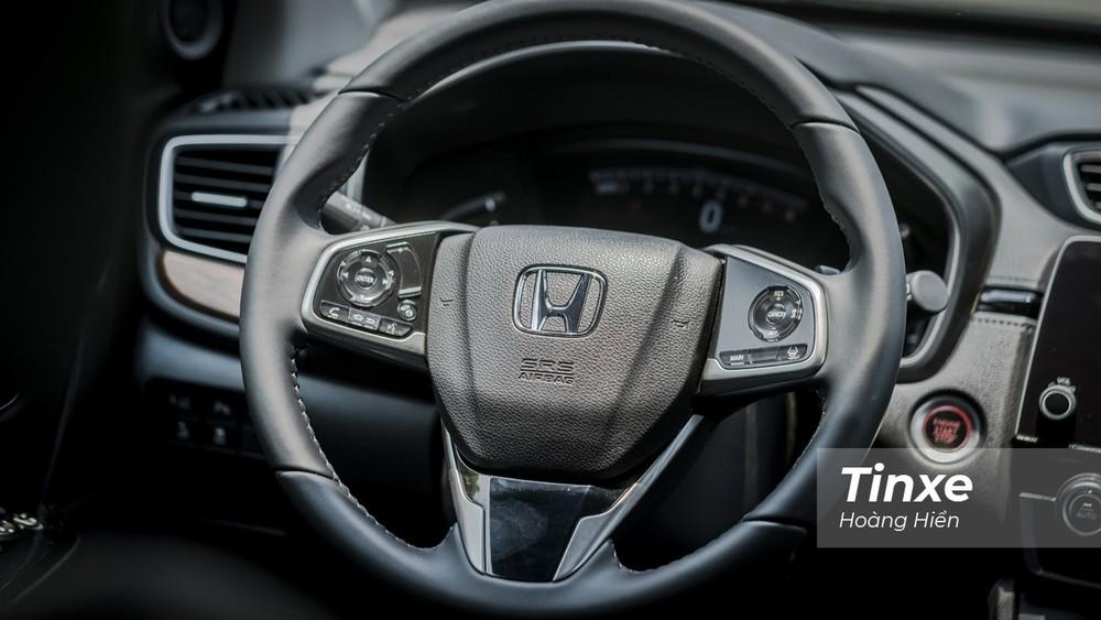 Vô-lăng có thêm các nút bấm điều chỉnh hệ thống Honda Sensing