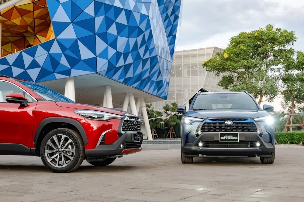 Hai phiên bản V và HV của Toyota Corolla Cross 2020 sẽ đối đầu với các mẫu xe ở phân khúc Crossover cỡ C