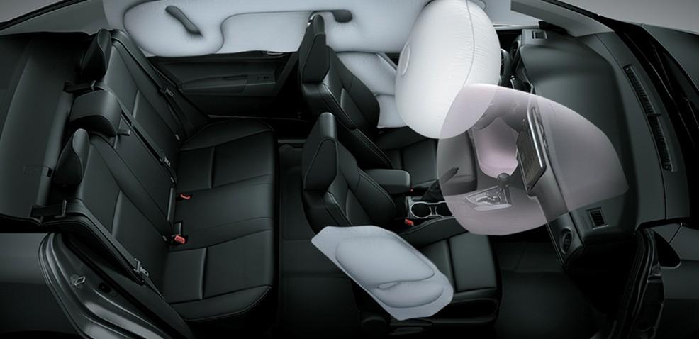 Túi khí trong hệ thống an toàn của xe Toyota Corolla Altis.