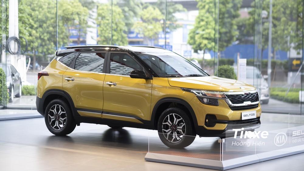 Nhìn chung, thiết kế ngoại thất của KIA Seltos tạo cảm giác cứng cáp và mang hơi hướng như một chiếc SUV.