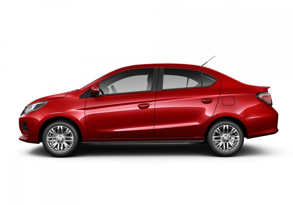 Mitsubishi Attrage màu đỏ sành điệu.
