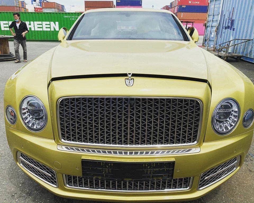 Bentley Mulsanne EWB 2020 có giá bán được cho hơn 50 tỷ đồng tại Việt Nam