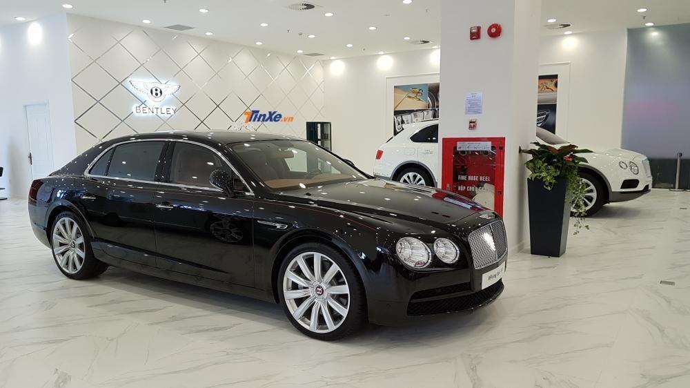 Bentley Bentayga cùng Bentley Flying Spur chính hãng