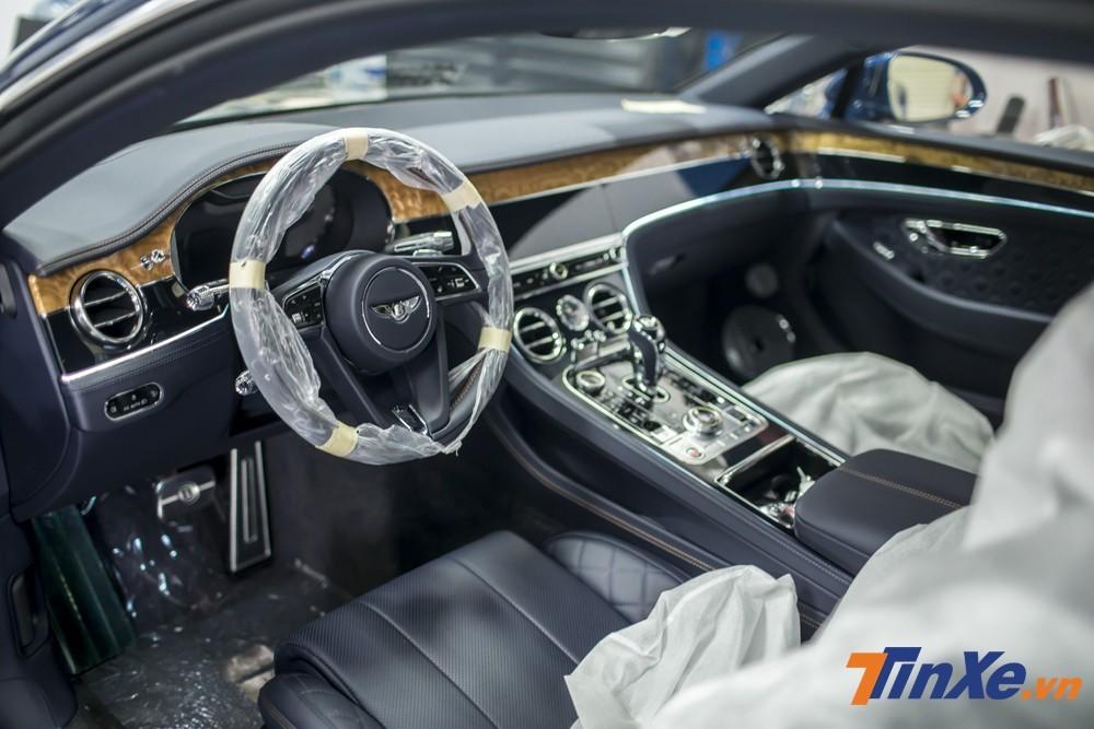 Bên trong khoang lái của Bentley Continental GT đời mới đầu tiên về Việt Nam