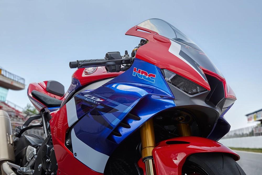 Thiết kế đầu và yếm xe Honda CBR1000RR-R 2020