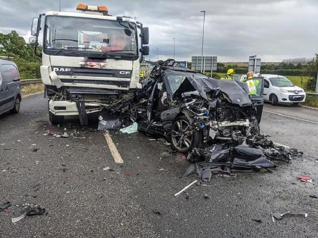 Hiện trường vụ tai nạn trên đường M1 của Anh