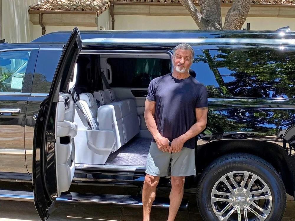 Hình ảnhSylvester Stallone nhận xe