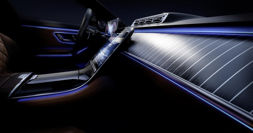Mặt táp-lô của Mercedes-Benz S-Class 2021 được ốp gỗ như boong du thuyền