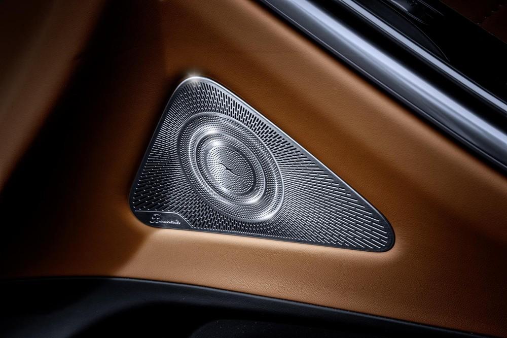 Lưới loa bằng kim loại của Mercedes-Benz S-Class 2021