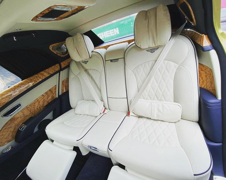 Hàng ghế sau của một chiếc Bentley Mulsanne EWB 2020 tại Việt Nam
