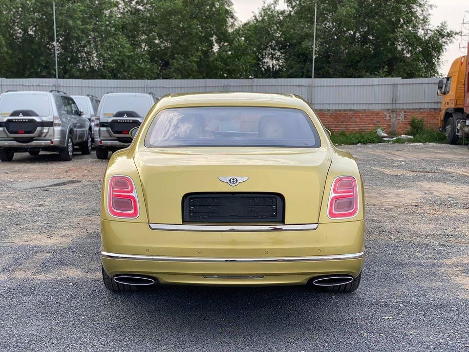 Phần đuôi xe Bentley Mulsanne EWB bản nâng cấp mới nhất