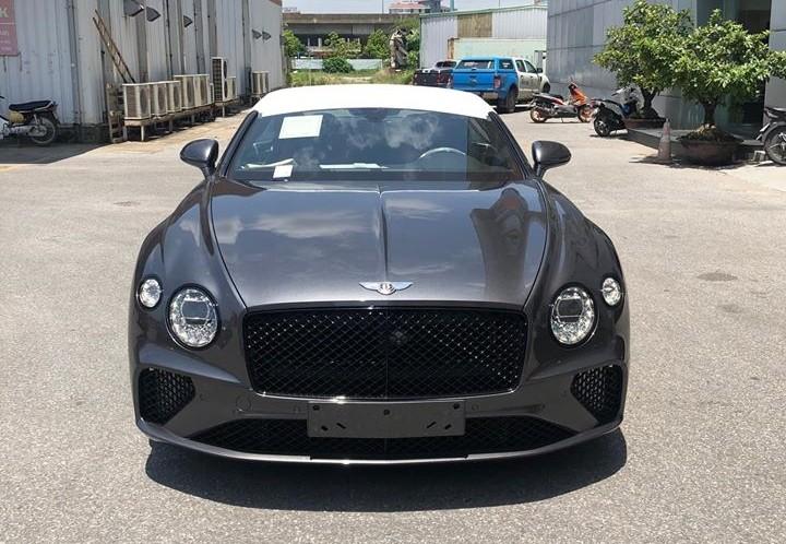 Diện mạo của Bentley Continental GT V8 thế hệ hoàn toàn mới nhìn trực diện đầu xe