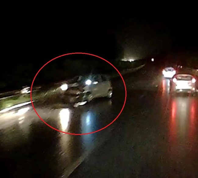 Chiếc ô tô Kia Morning tại hiện trường vụ tai nạn