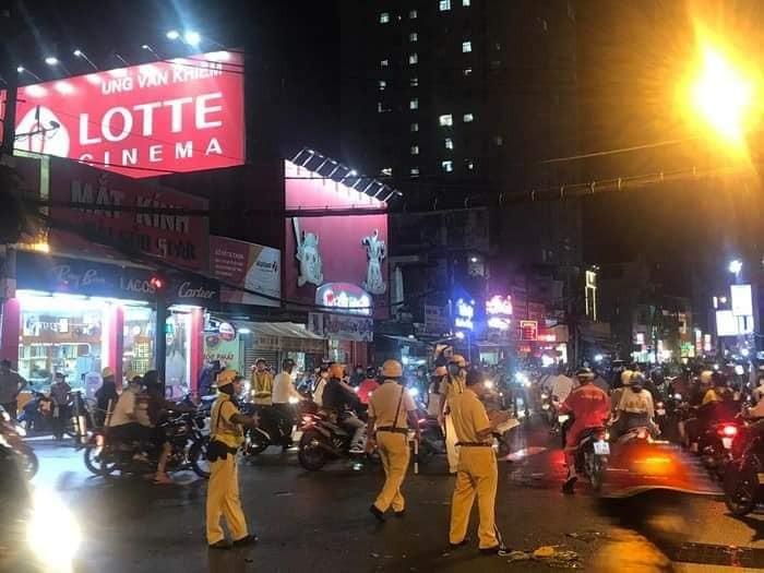 Cảnh sát giao thông nhanh chóng có mặt để điều tiết giao thông