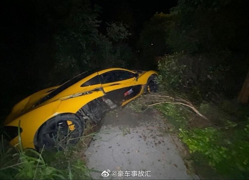 Siêu xe triệu đô McLaren P1 mới gặp nạn ở Trung Quốc