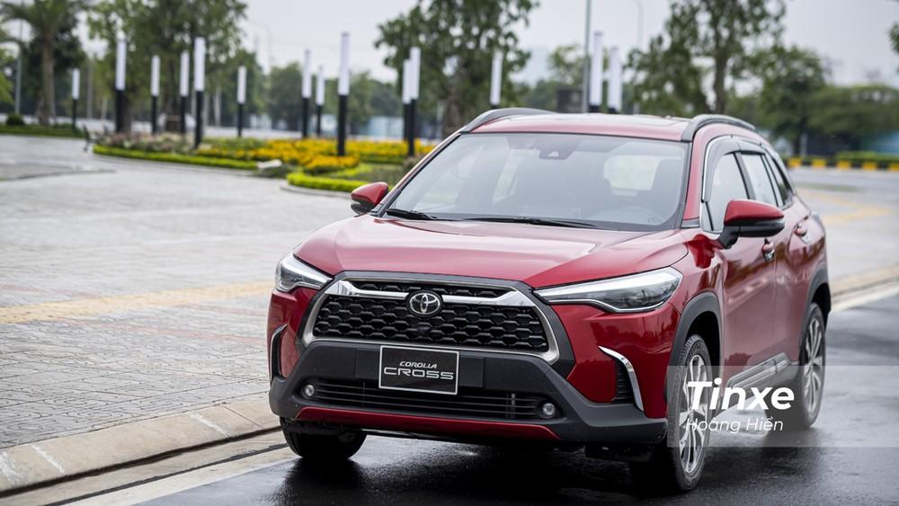 Nếu các bạn không đủ chi phí cho Toyota Corolla Cross 1.8HV thì Toyota Corolla Cross 1.8V cũng là một lựa chọn đáng tiền cho phân khúc crossover cỡ nhỏ.
