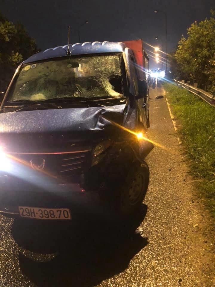 Ô tô tải cũng bị hư hỏng đáng kể sau vụ tai nạn