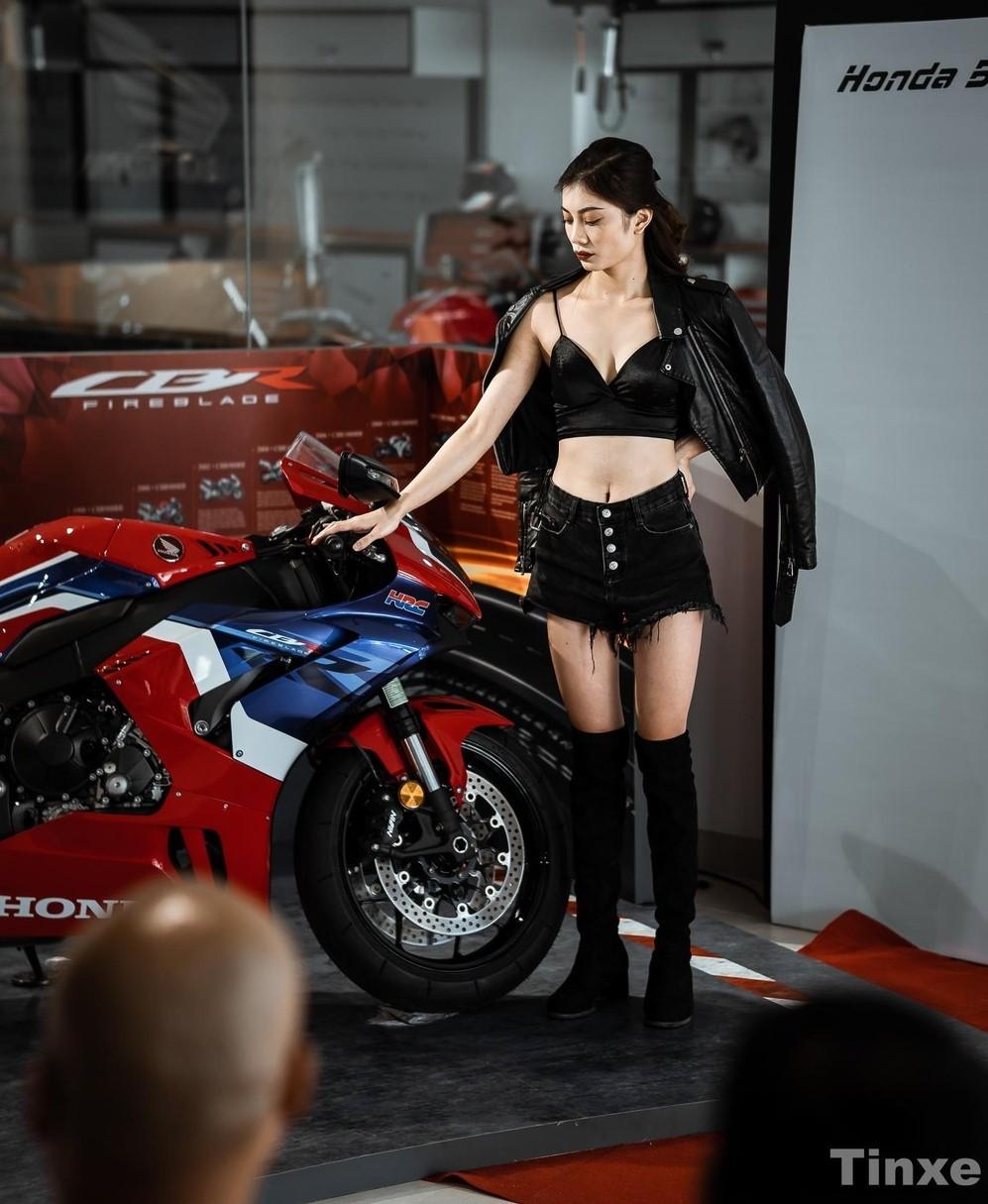 Honda CBR1000RR-R 2020 bán ra Việt Nam có hai phiên bản là Fireblade và Fireblade SP