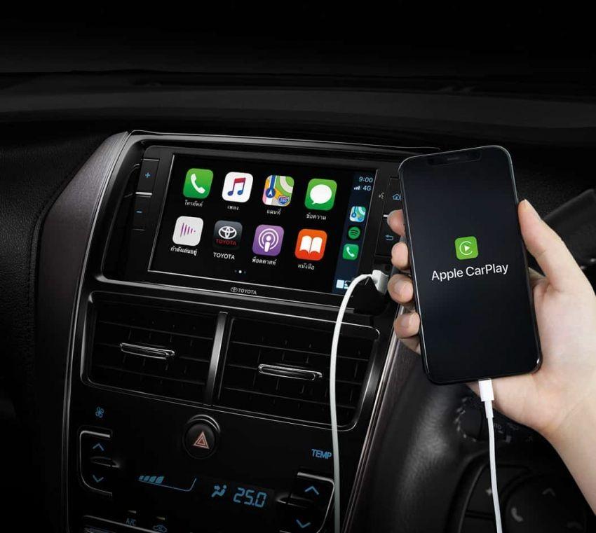 Màn hình thông tin giải trí hỗ trợ Apple CarPlay để kết nối với điện thoại thông minh