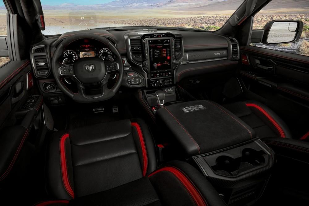 Nội thất bên trong Ram 1500 TRX 2021