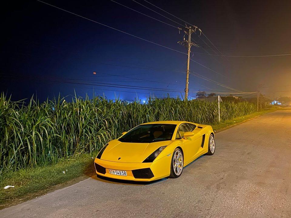 Màu vàng chính là bộ áo đẹp nhất trên dòng siêu xe Lamborghini Gallardo