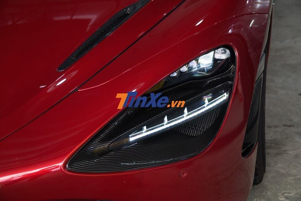 Đèn pha LED của siêu xe McLaren 720S cùng hốc gió đèn pha thiết kế rất thú vị