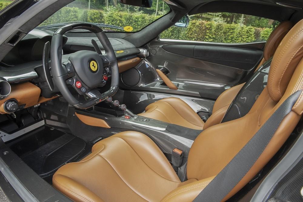 Thiết kế nội thất của siêu xe triệu đô Ferrari LaFerrari