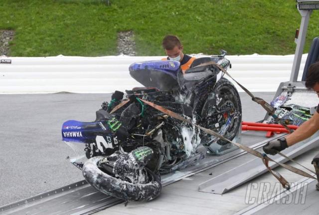 Chiếc xe đua bạc tỷ bốc cháy sau vụ tai nạn, dàn đầu vỡ nát không còn nhận dạng