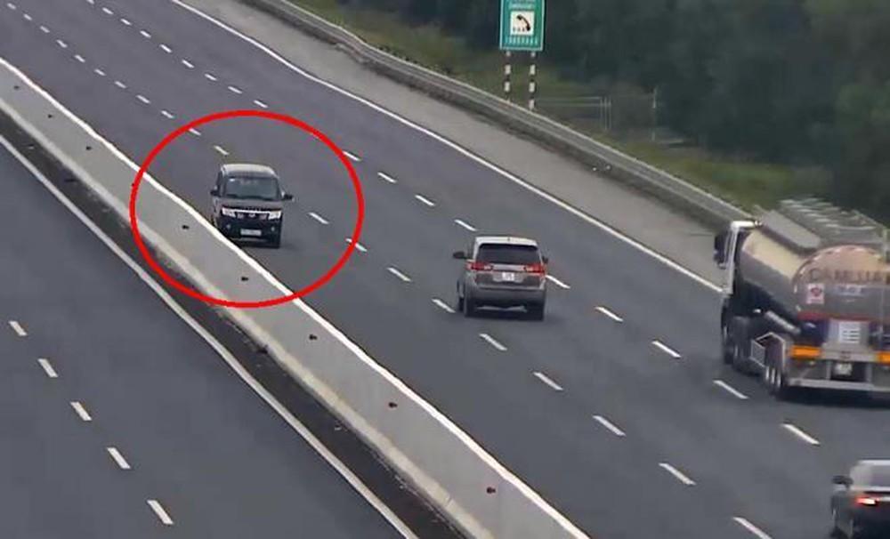 Tài xế vi phạm lỗi đi ngược chiều ô tô trên cao tốc Hà Nội - Hải Phòng