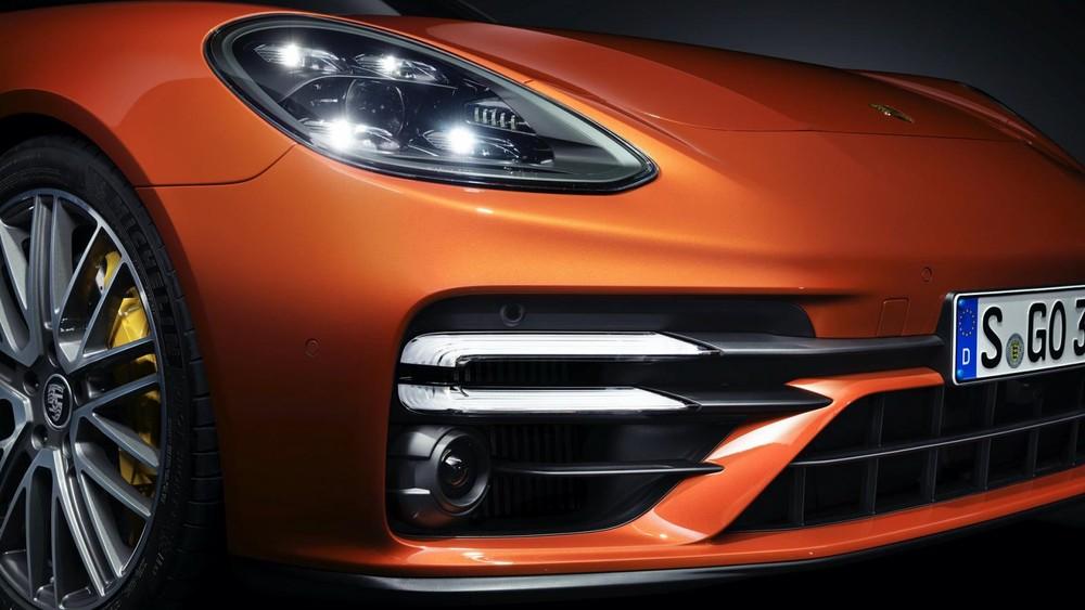 Thiết kế đầu xe của Porsche Panamera 2021