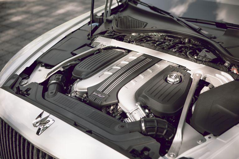 Động cơ của Bentley Flying Spur