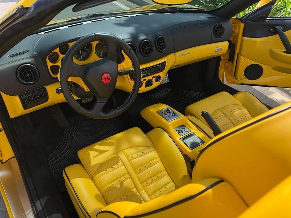 Nội thất của một chiếc Ferrari 360 Spider tại Việt Nam sau khi đã được làm mới