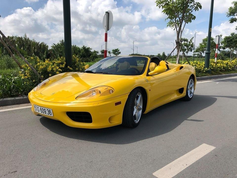Vẻ đẹp điệu đà của một chiếc siêu xe mui trần Ferrari 360 Spider được chủ nhân bỏ hơn 2 tháng phục hồi xe