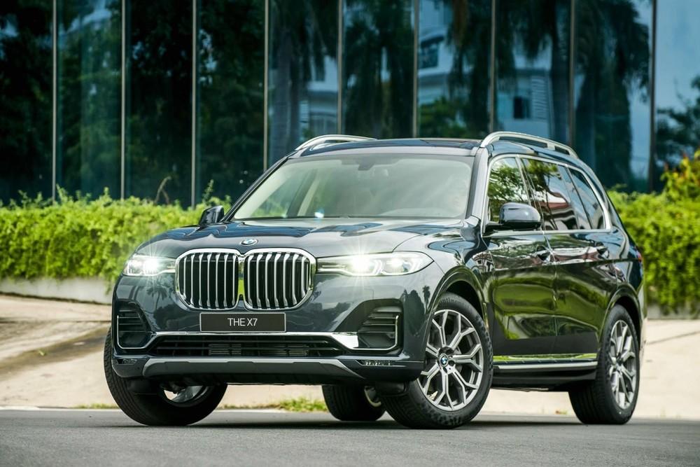Giá niêm yết mới của BMW X7 chính hãng đã ngang với các sản phẩm nhập tư