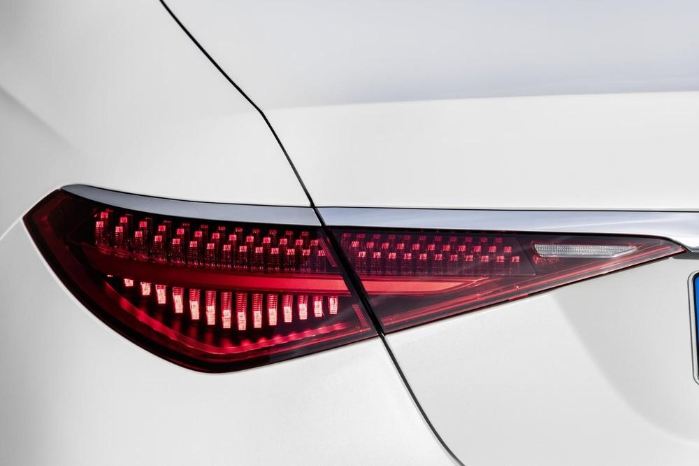 Cụm đèn hậu LED ấn tượng của Mercedes-Benz S-Class 2021