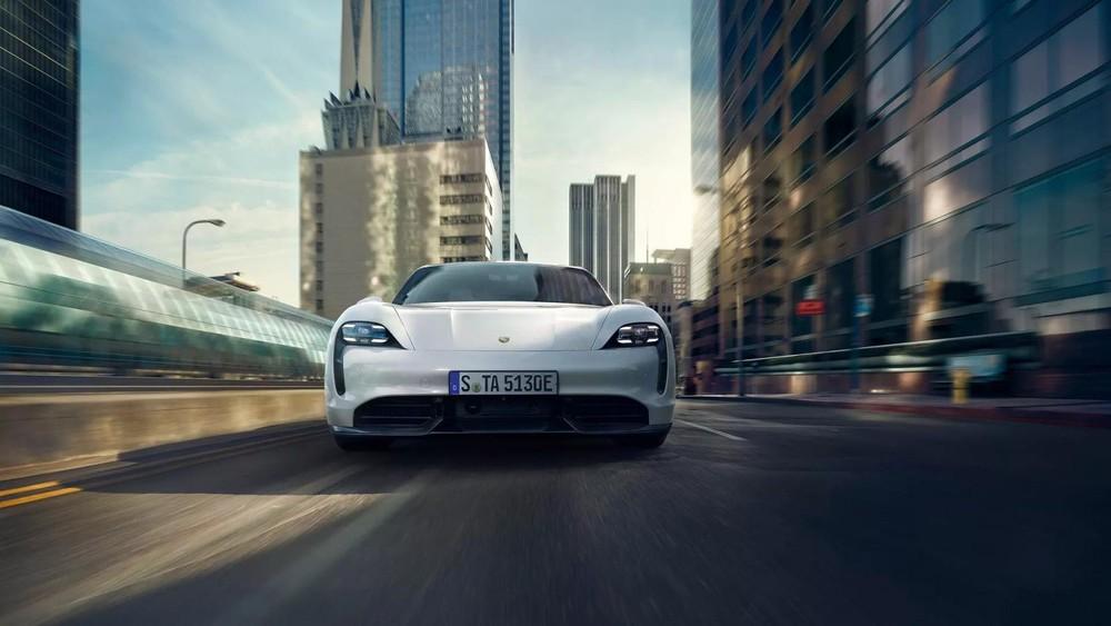 Giá xe Porsche Taycan