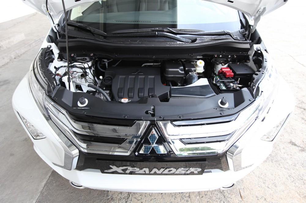 Động cơ của Mitsubishi Xpander bị đánh giá là hơi yếu nhưng vận hành khámượt mà