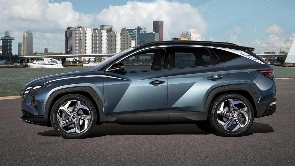 Sườn xe của Hyundai Tucson 2021 có nhiều đường cắt và dập gân táo bạo