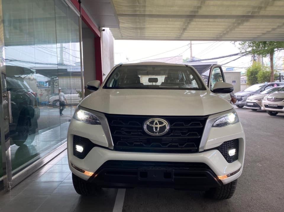 Toyota Fortuner 2020 đã xuất hiện tại đạil ý trước ngày ra mắt