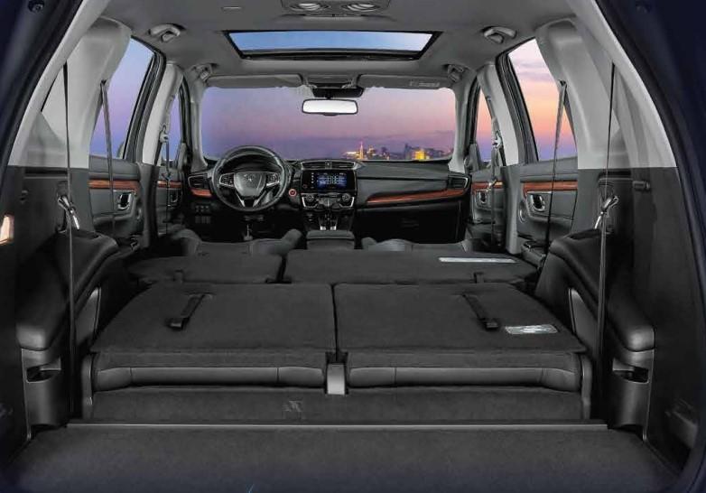 Khoang ghế ngồi rộng rãi của Honda CR-V
