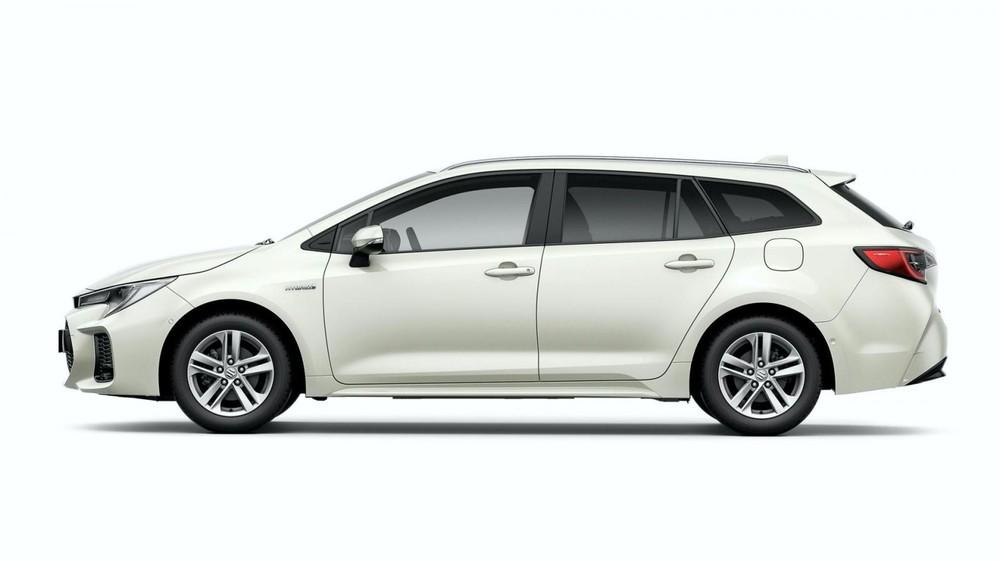Suzuki Swace 2021 sở hữu chiều dài cơ sở 2.700 mm