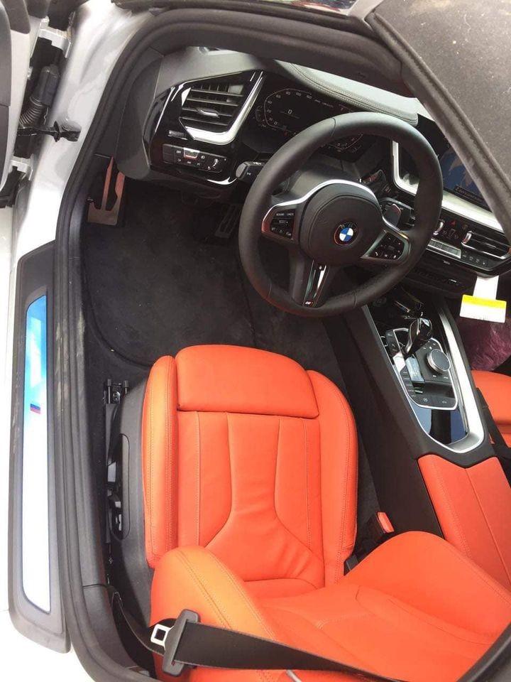 Bên trong khoang lái chiếc xe thể thao BMW Z4 2020 đầu tiên về Việt Nam