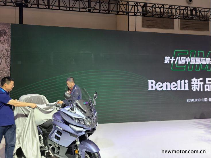 Benelli vén màn xe Touring 1200GT