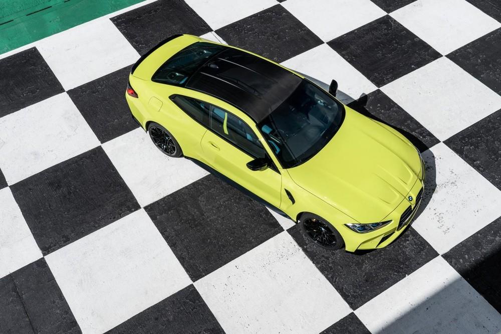 Nóc của BMW M3 và M4 2021 bằng nhựa gia cố sợi carbon